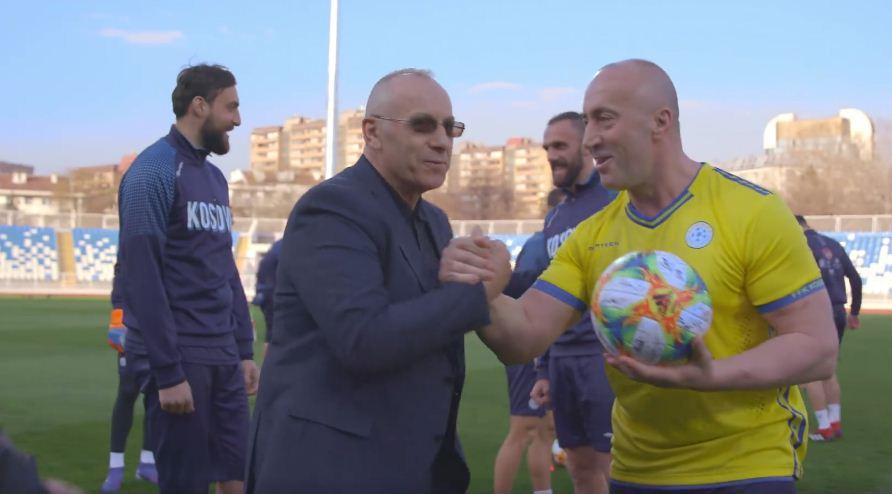 Ramush Haradinaj iu jep zemër djemve të Kombëtares së Kosovës