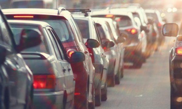 Në Kosovë qytetarit ia regjistrojnë veturën deri në vitin 3500