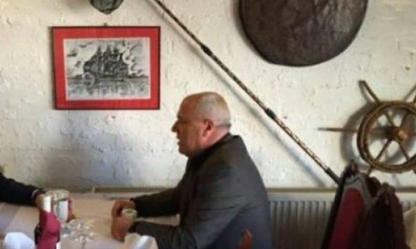 Vetëvendosje reagon për kompensimin ndaj vëllaut të Hashim Thaçit që rrahu dy drejtorë