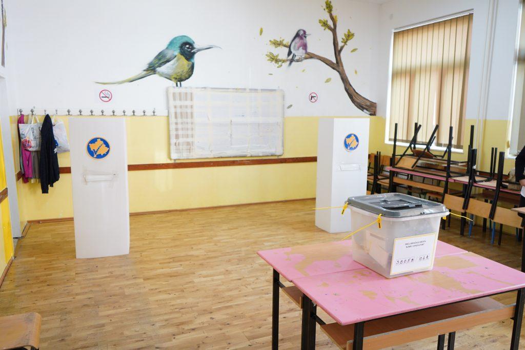 34 mijë euro vetëm për kabinat e votimit prej letre  Dokument