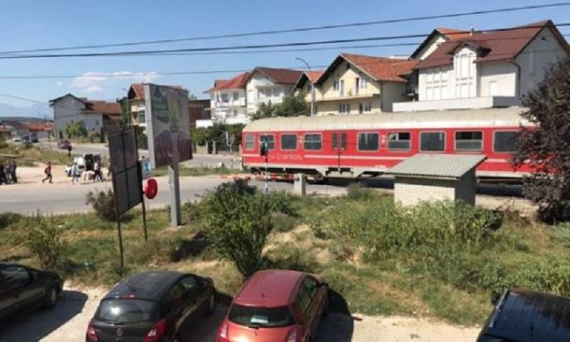 Policia jep detaje të rastit ku treni goditi për vdekje një të mitur në Klinë