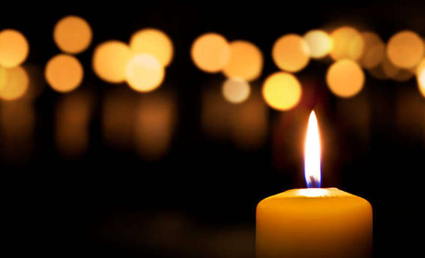 Ndizen qirinj në nderim të policëve që vdiqën nga COVID-19 - inFokus
