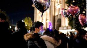 210101095318 wuhan new year 2021 p3 exlarge 169 768x4311 1 300x168 - Kështu u festua Viti i Ri në Wuhan, qendrën e shpërthimit të Covid-19
