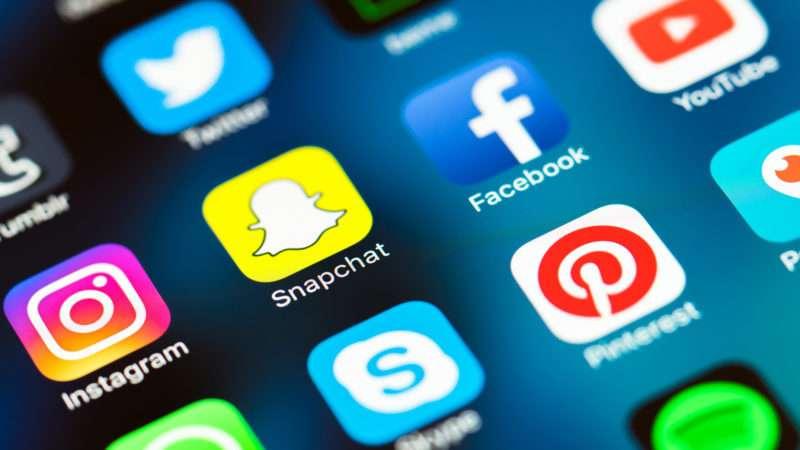facebook-nuk-njeh-mire-gjuhet-nuk-filtron-dot-postimet-e-urrejtjes-dhe-terrorizmit